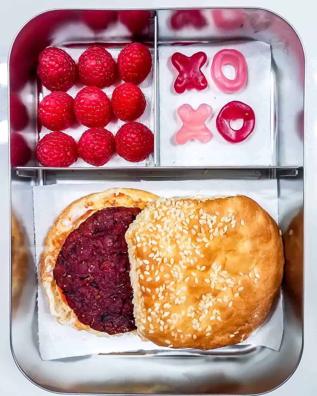 Beetroot Burger, Raspberries and gummies