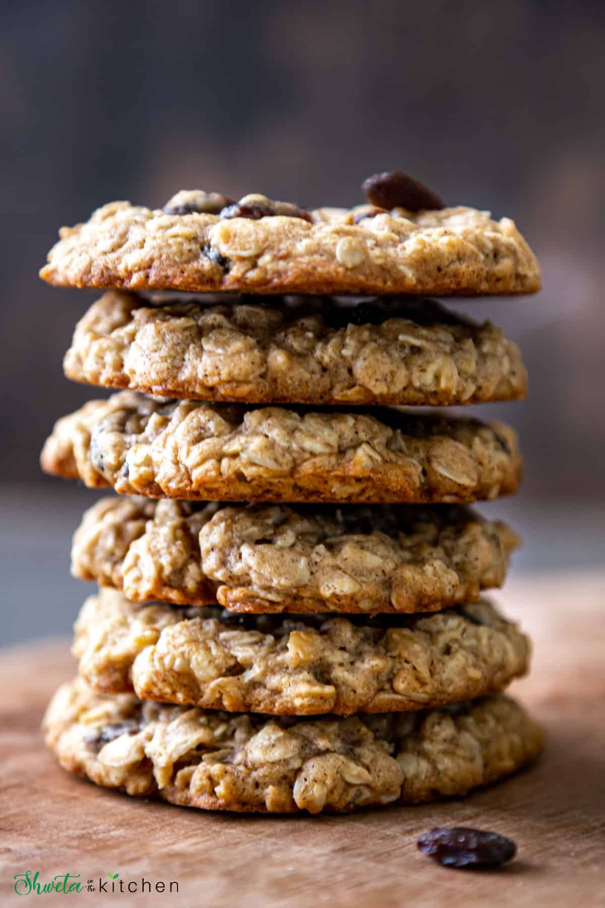side view of stack of 6 cookies